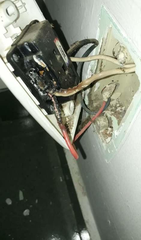 ổ điện bị chập cháy